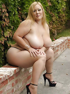 BBW High-heels Pictures