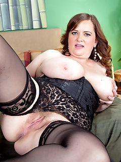 BBW Spread Pictures