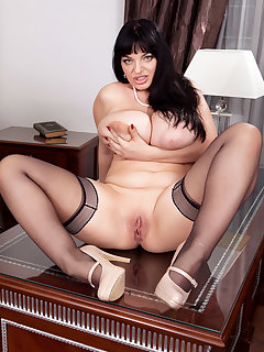 BBW Shaved Pictures